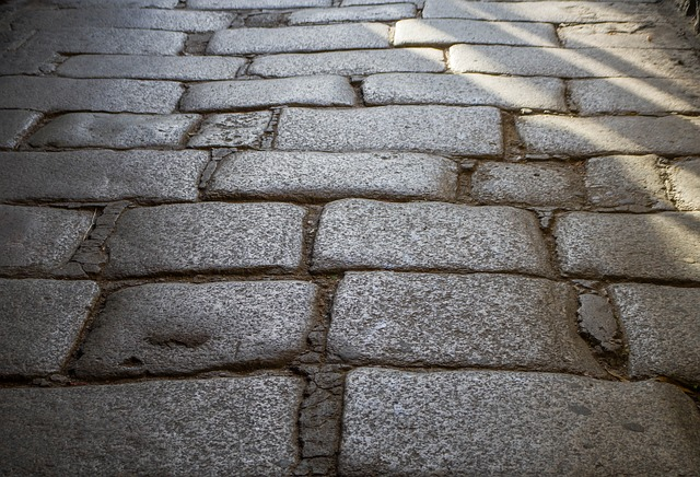 How Thick Should Driveway Pavers Be?