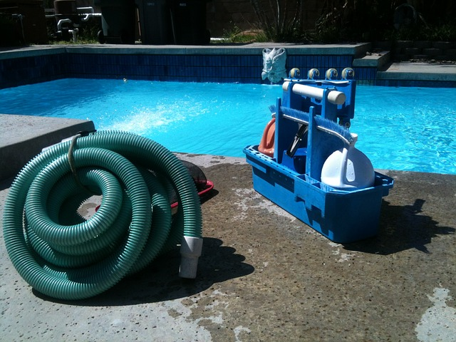 How Does a Pool Skimmer Work